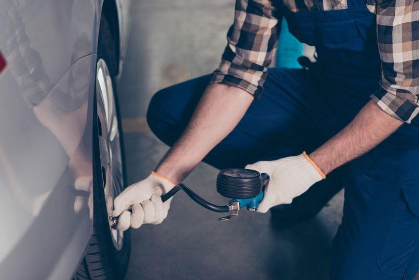 how to use a tire pressure gauge