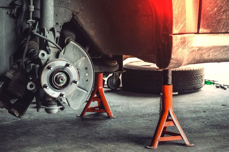 5 Best Jack Stands for Holding Up Your Vehicle Safely