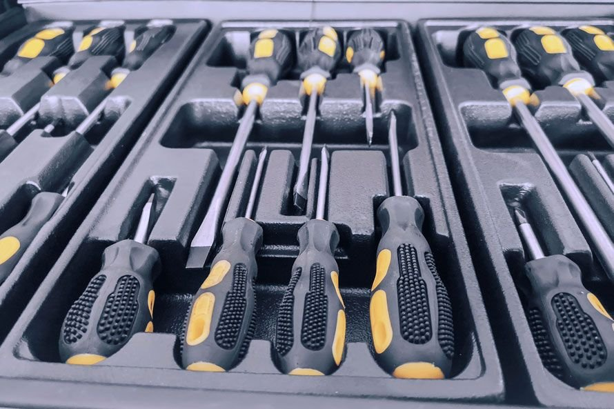 3 Best Screwdriver Sets of 2021
